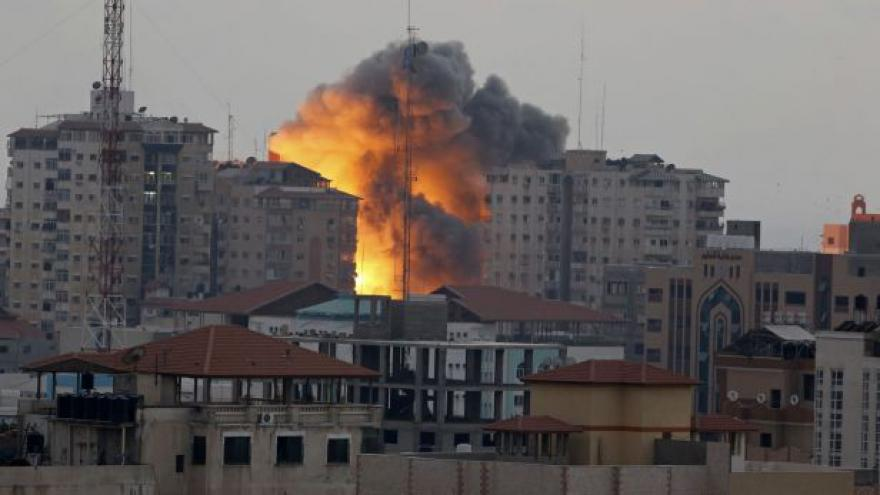 Video V Pásmu Gazy byly sestřeleny další budovy