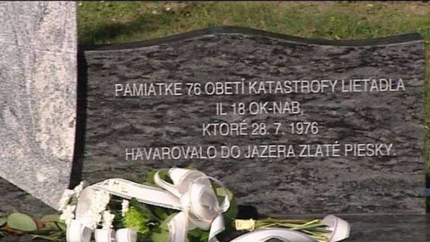 Video Po 38 letech se příbuzní obětí letu ČSA 001 dočkali památníku