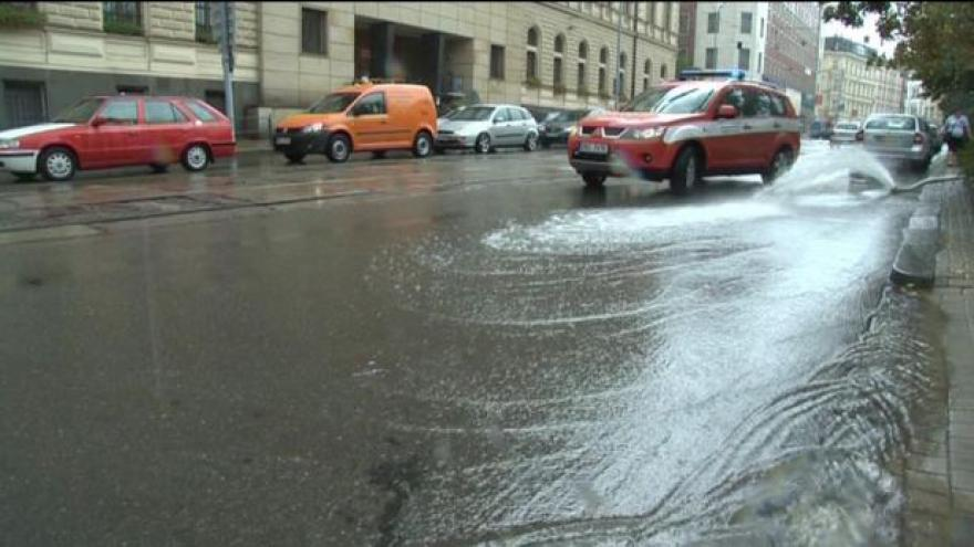 Video Přívalové deště řádily v ulicích Brna