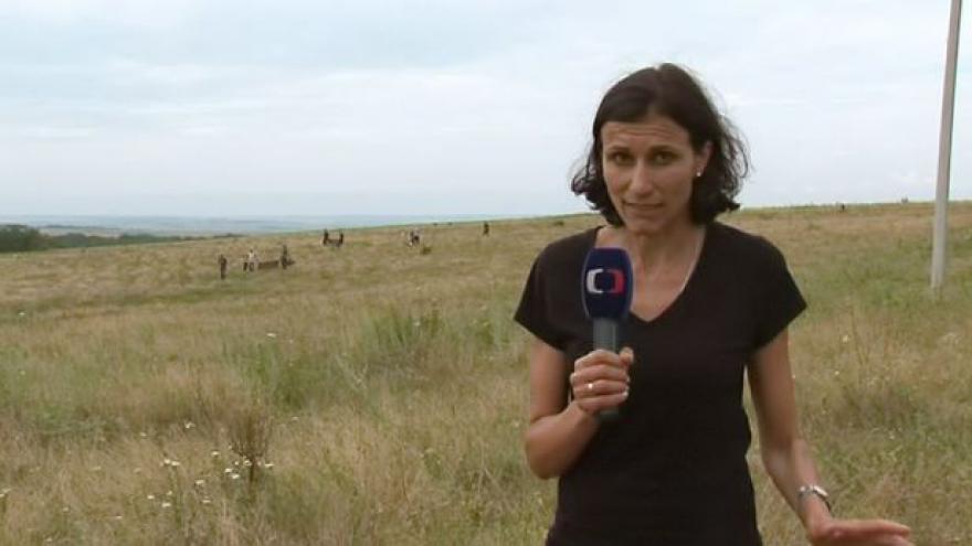 Video Zpravodajka ČT Adriana Dergam na místě tragédie letu MH17