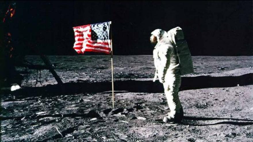 Video UDÁLOSTI: 45 let Apolla 11