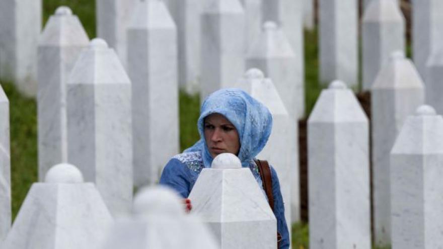 Video Nizozemsko nese část viny za srebrenický masakr