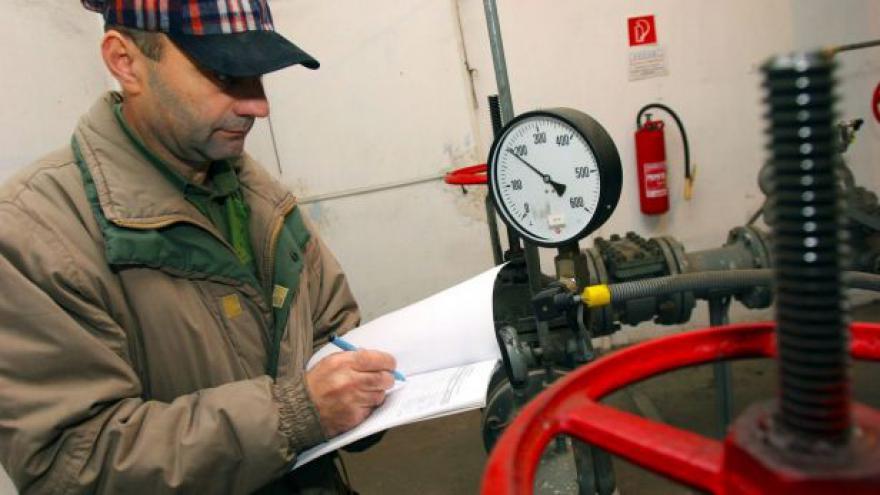 Video Události: ERÚ a NET4GAS se přou, kdo zaplatí plynovod
