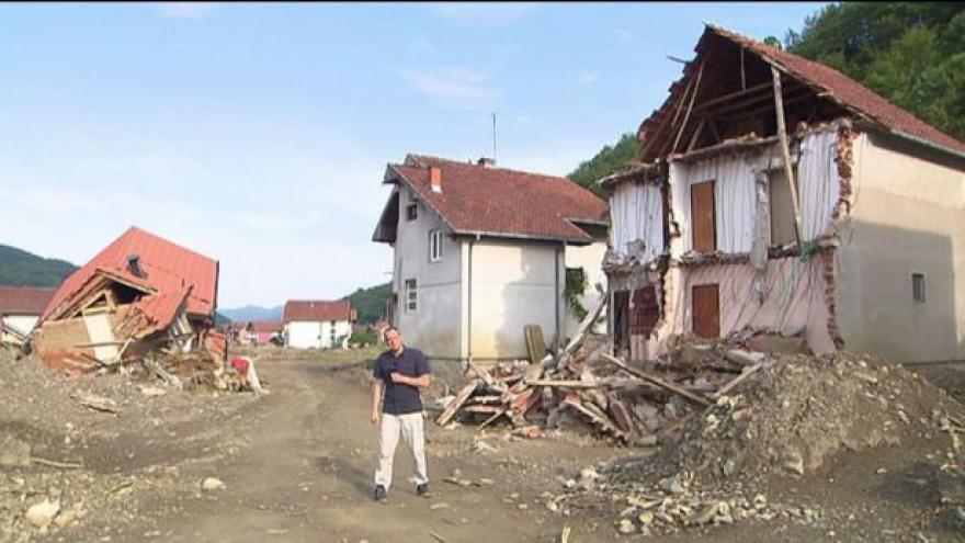 Video Balkán se už měsíc zotavuje z ničivých povodní