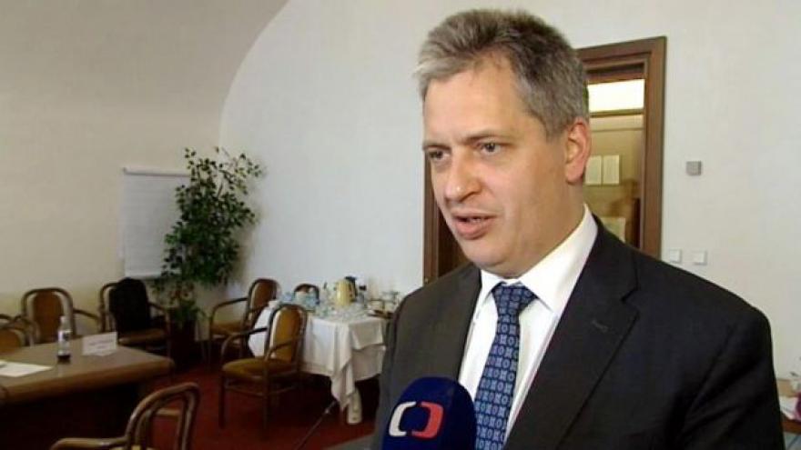 Video Výbor přijal úpravy služebního zákona