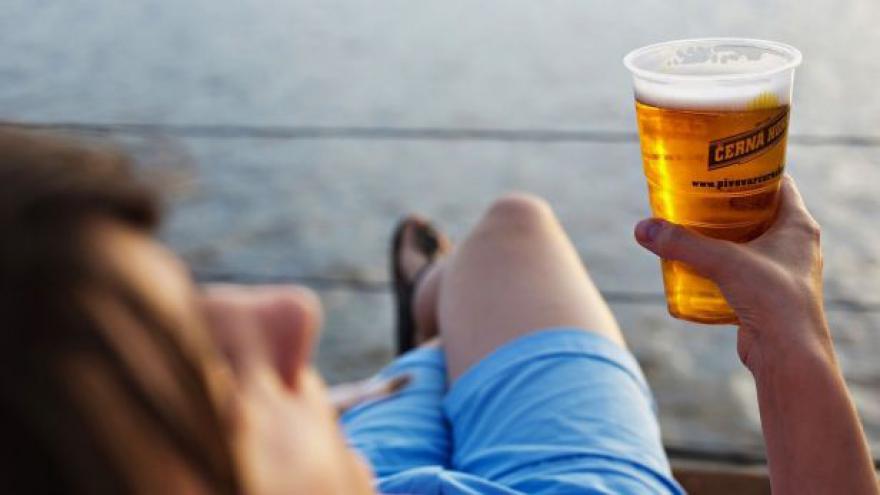 Video Jurečka chce snížit spotřební daň na pivo