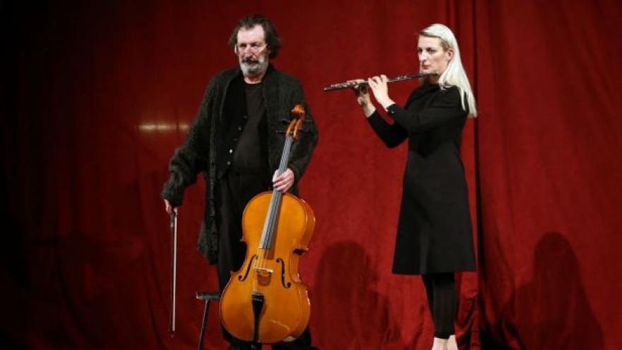 Video No comment: Autorské představení DNA v Divadle Bolka Polívky