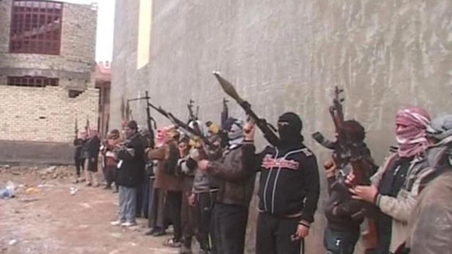 Video Radikálové se blíží k Bagdádu, ovládli Mosul a Tikrít