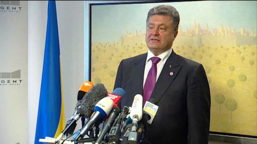 Video Porošenko po jednání ve Varšavě: Západ je na straně Ukrajiny