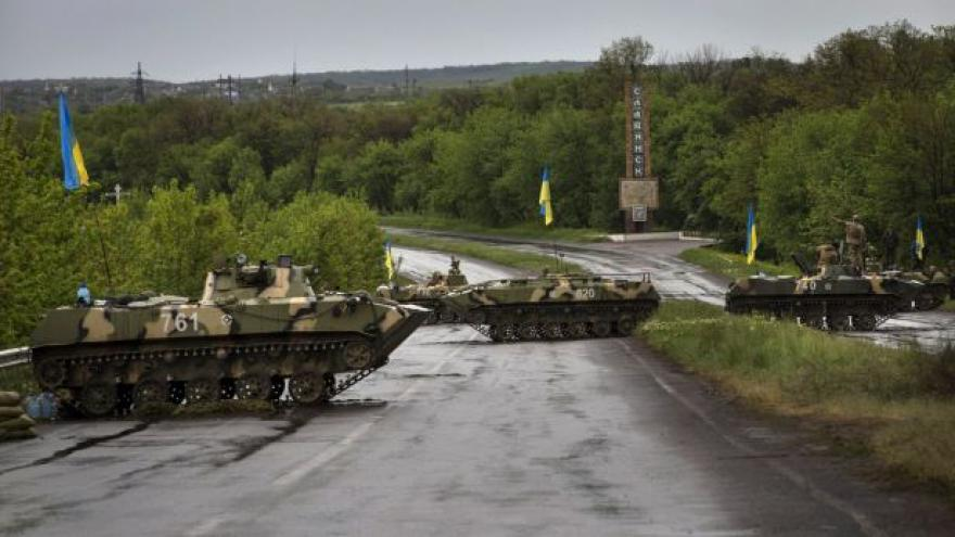 Video Ukrajinská protiteroristická operace už trvá přes měsíc