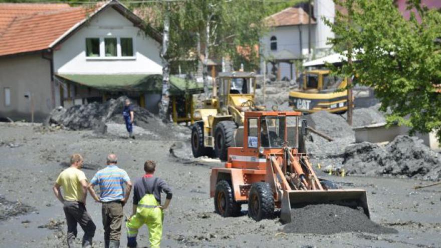 Video Záplavy: Situace na severovýchodě Bosny je kritická