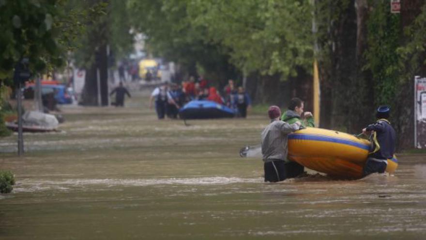 Video Balkán zažívá nejhorší záplavy od 19. století