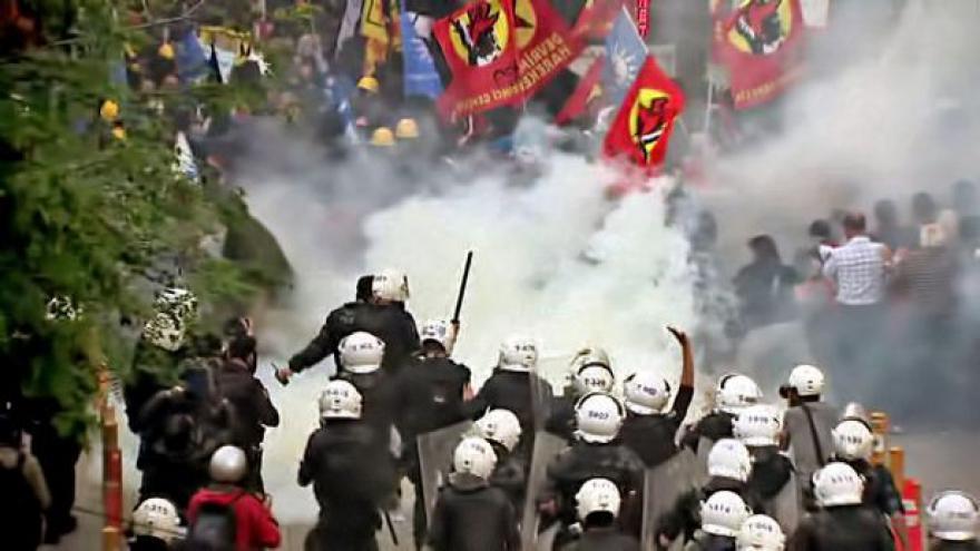Video Smutek za oběti důlního neštěstí se změnil ve vztek