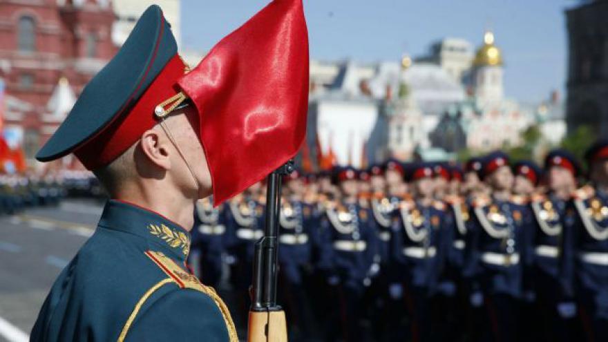 Video Bez komentáře: Vojenská přehlídka v Moskvě