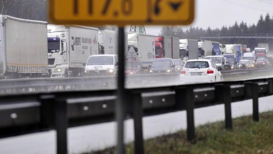 Video Rychlejší výstavba silnic tématem Událostí, komentářů
