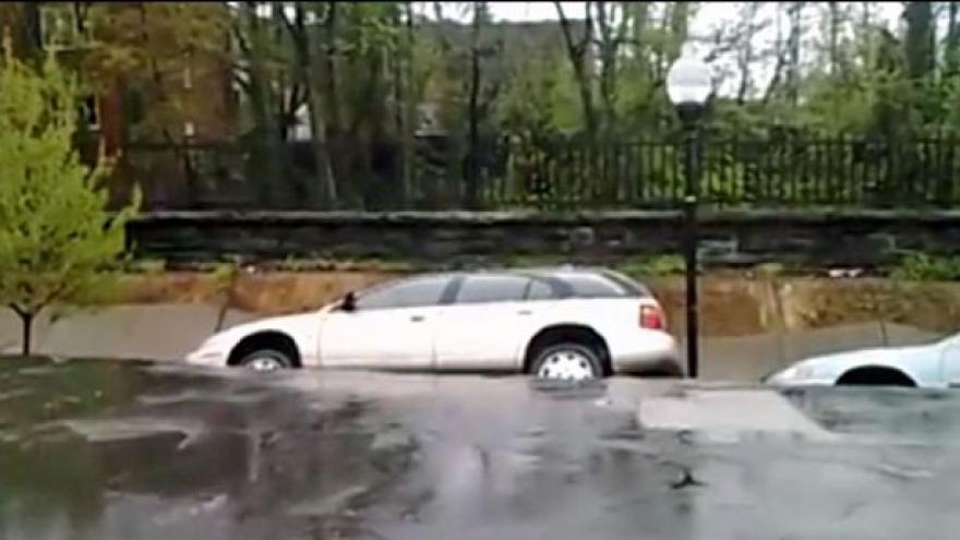 Video Dramatické záběry sesuvu půdy v americkém Baltimoru