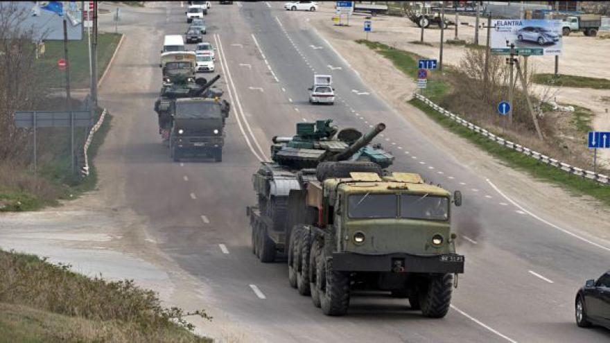 Video Z Krymu se stáhly poslední ukrajinské jednotky