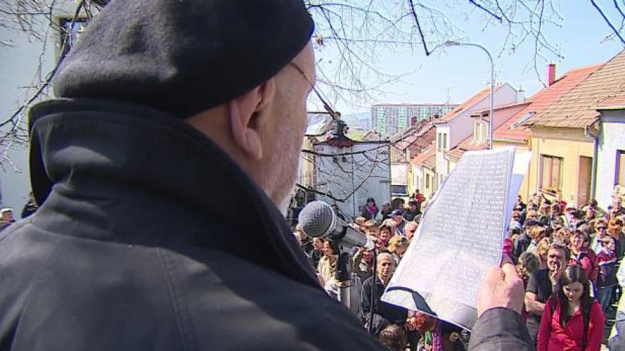 Video No comment: Brněnský happening Vivat Hrabal