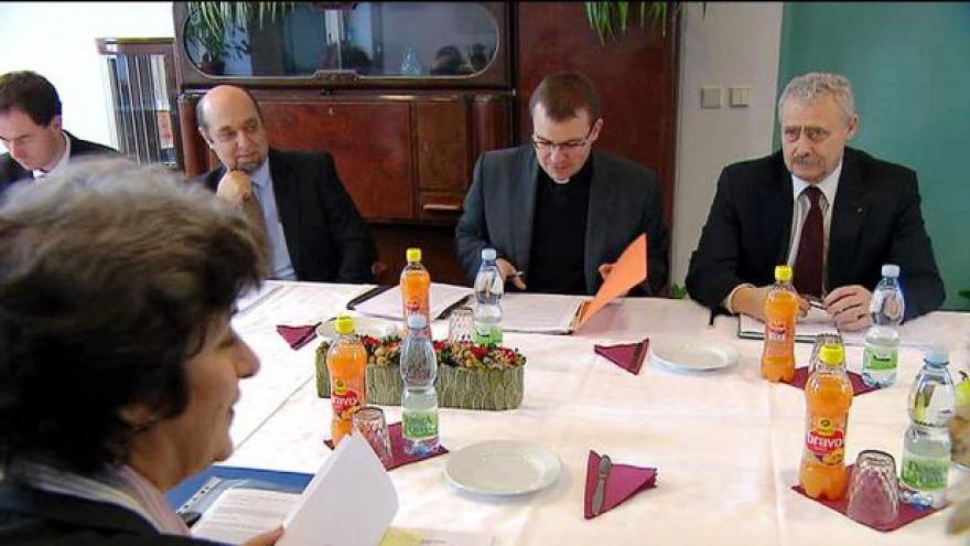 Video Církevní restituce se mají řešit na vládní úrovni