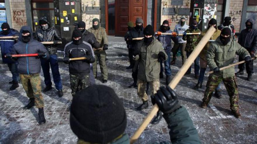 """Video """"Saša Bílý"""" bojoval v Čečensku proti Rusům, dnes zemřel"""
