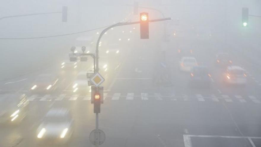 Video Paříž vyhání auta - kvůli smogu