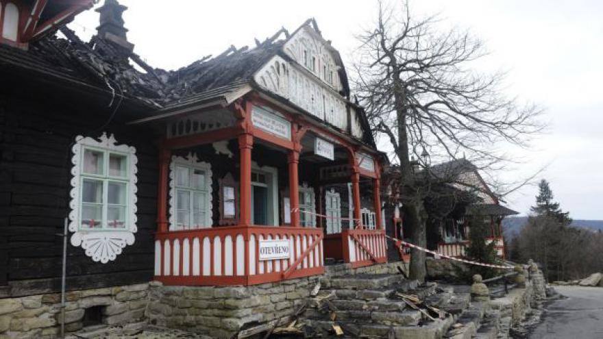 Video Události: Obnova vyhořelé chaty Libušín
