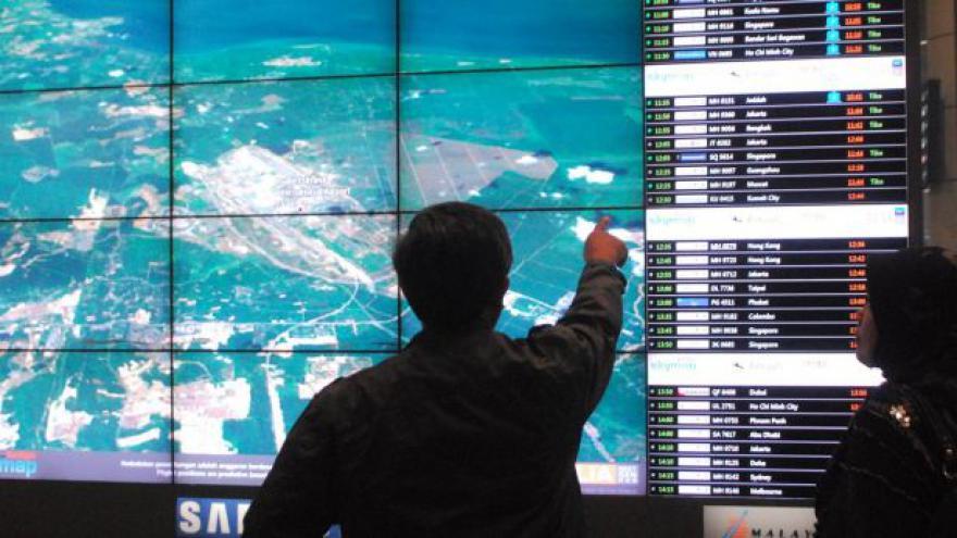 Video Trosky zmizelého letadla, které ohlásil čínský satelit, se nenašly