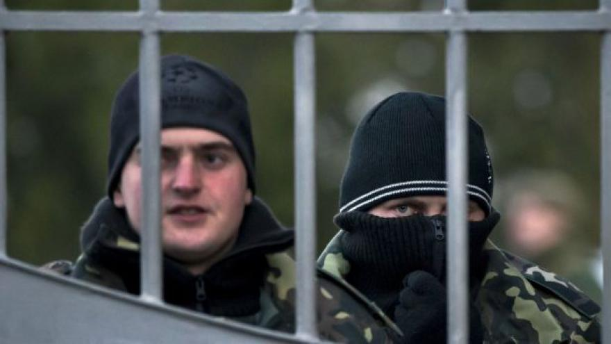 Video Události: Rusové na Krymu před referendem posilují
