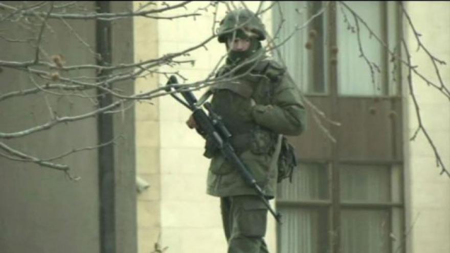 Video Šedivý: Na Krymu jsou regulérně vybavení vojáci