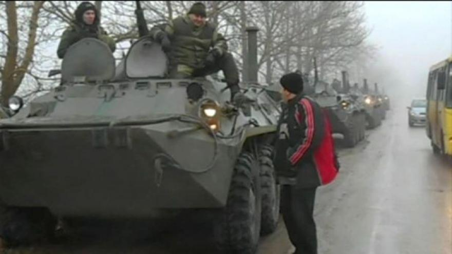 Video Bez komentáře: Obrněné transportéry na Krymu