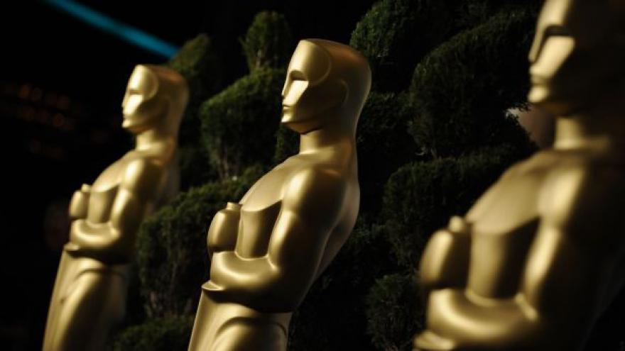 Video Hollywood žije přípravami na Oscara