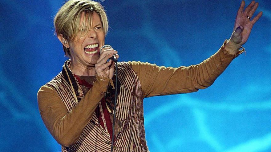 Video Zpěvák David Bowie zemřel na rakovinu