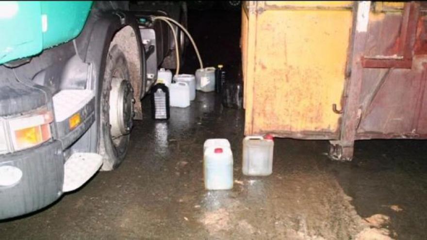 Video Krádeží nafty z nádrží aut přibývá