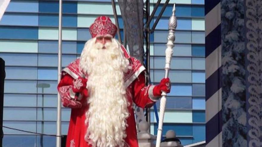 Video Karas o atmosféře v Soči: Zimu přináší aspoň děda Mráz