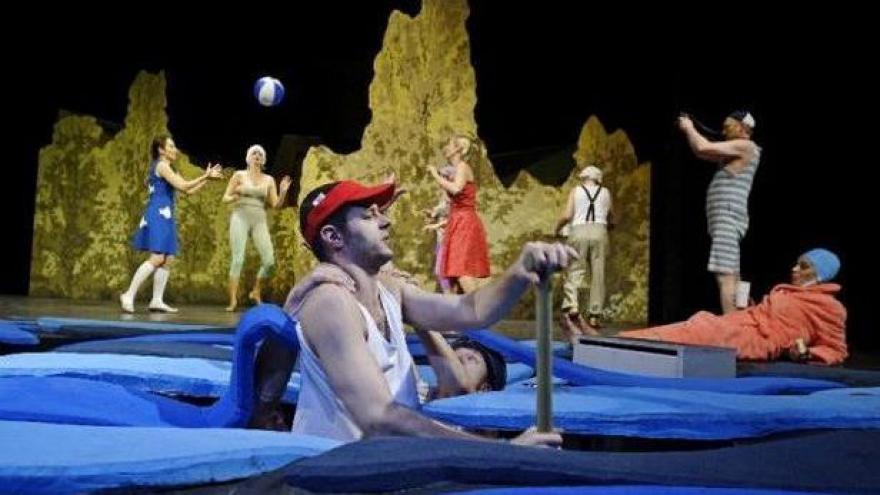 Video Ve Východočeském divadle v Pardubicích začal Grand festival smíchu