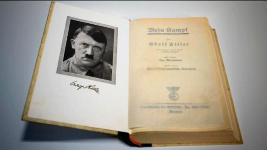 Video Prodej Mein Kampfu vyvolává v Amsterdamu kontroverze