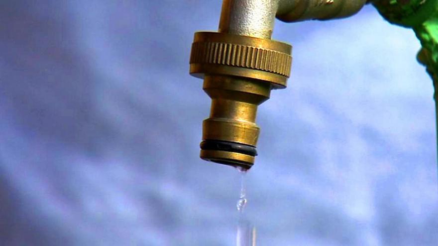 Video Události: Voda by mohla kvůli výměně trubek zdražit