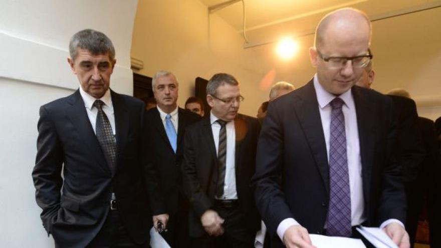 Video Koaliční smlouva čeká na podpis