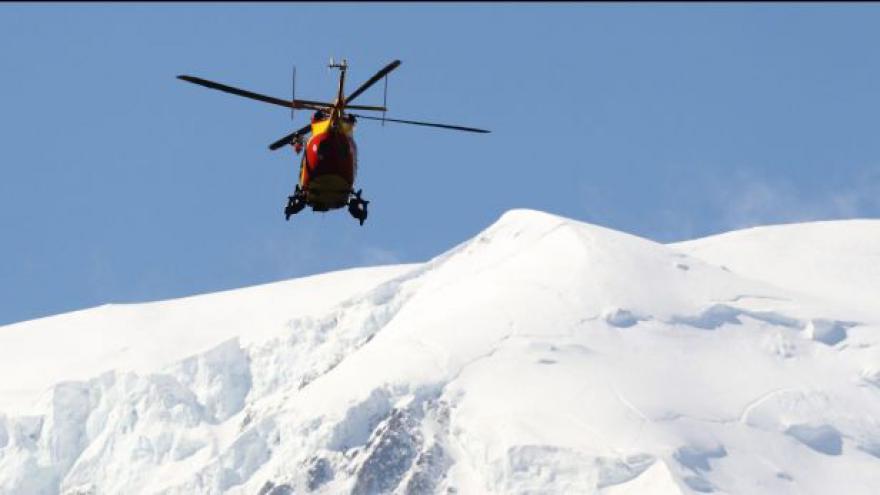 Video Horizont ČT24: Jaké to je, když vás zasype lavina?