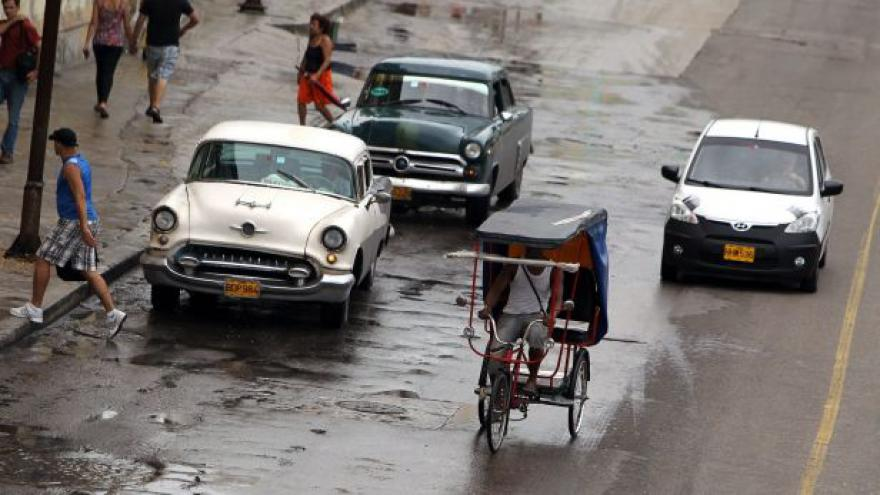 Video Režim na Kubě dovolí lidem koupit si auto bez povolení