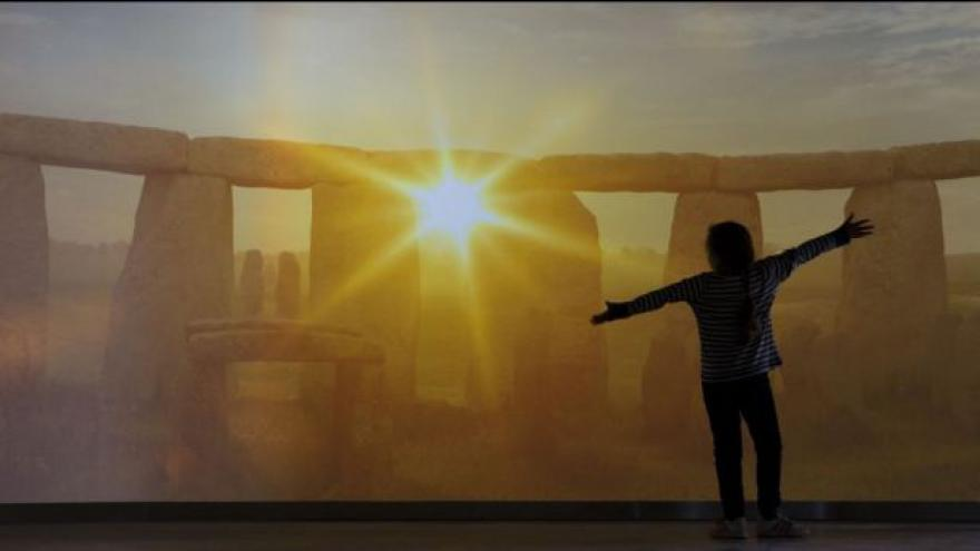 Video Nové centrum ve Stonehenge láká návštěvníky
