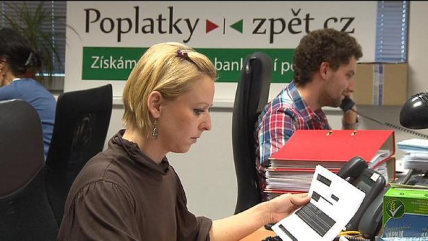 Video Události o sporu o bankovních poplatcích