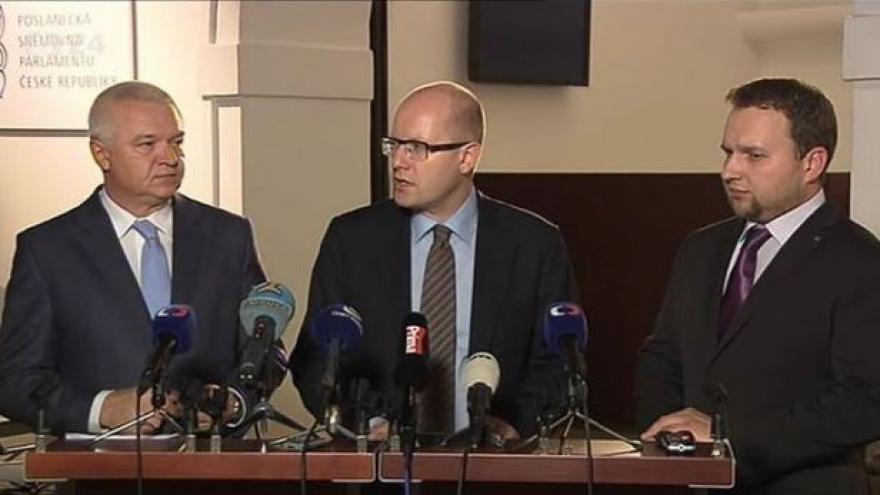 Video Brífink po nočním  jednání ČSSD, ANO a KDU-ČSL