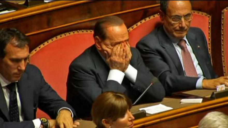 Video Senátoři vyloučili Berlusconiho ze svých řad
