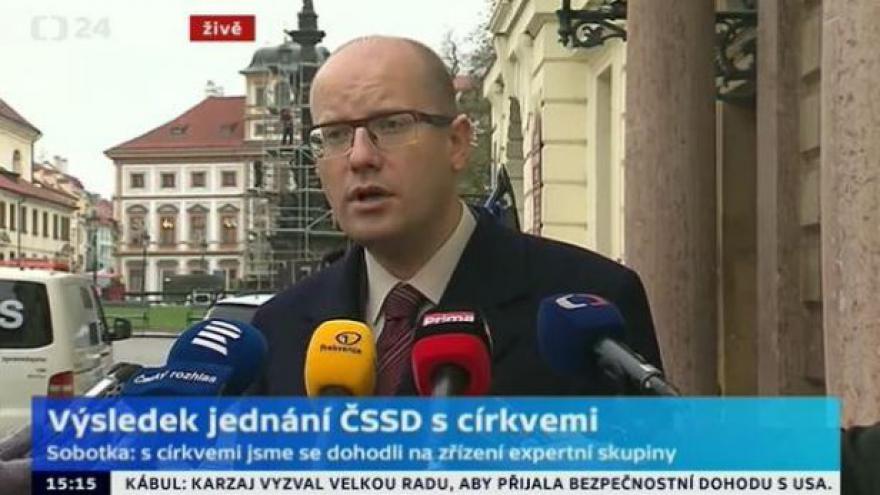 Video Brífink Bohuslava Sobotky po jednání s představiteli církví