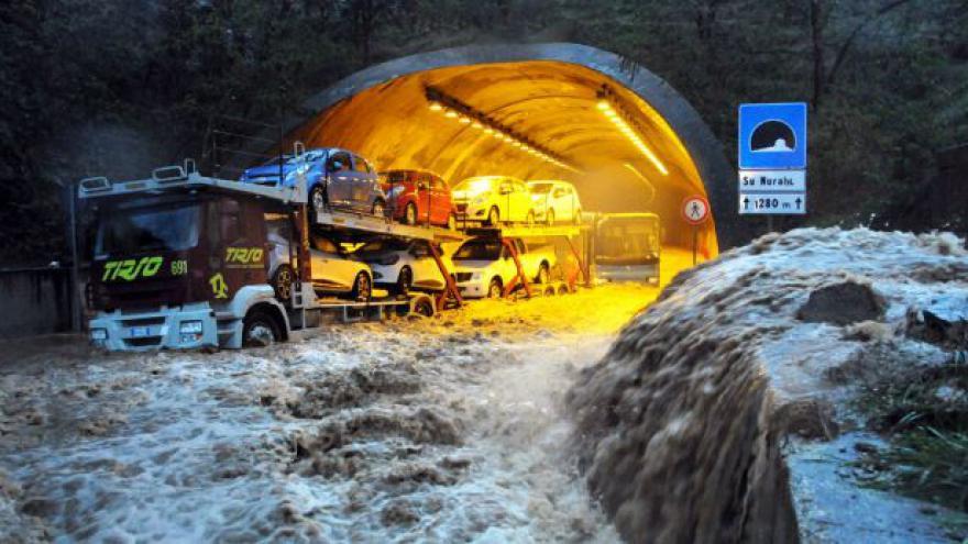 Video Horizont 24 o záplavách na Sardinii