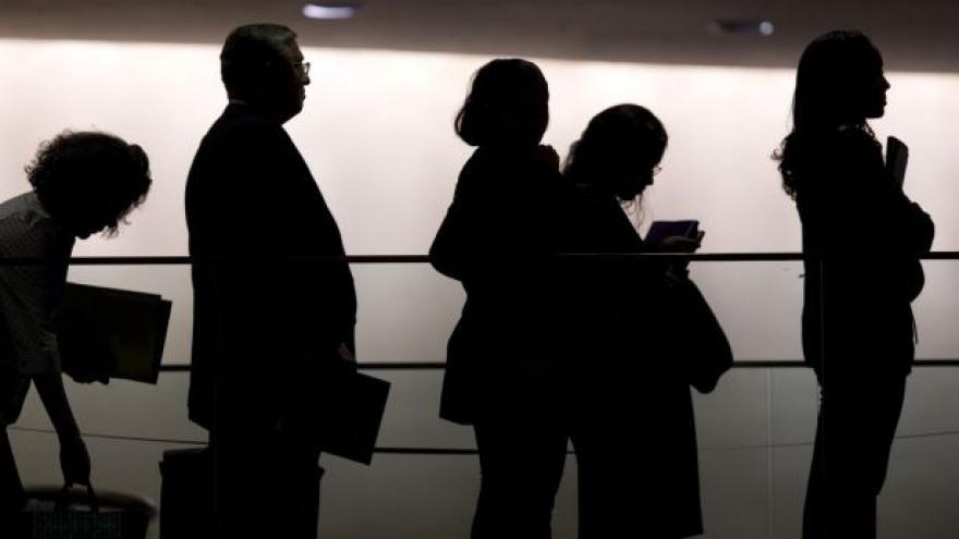 Video Nezaměstnanost v říjnu stejná jako v září