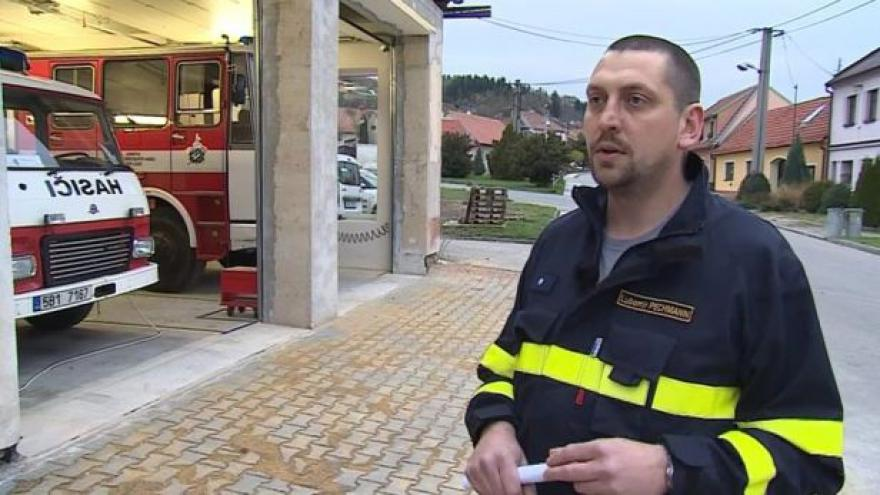 Video O požáru haly hovoří hasič Lubomír Pechmann z SDH Luleč