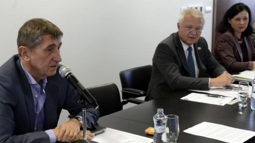 Video Povolební vyjednávání a první schůze poslanců hnutí ANO