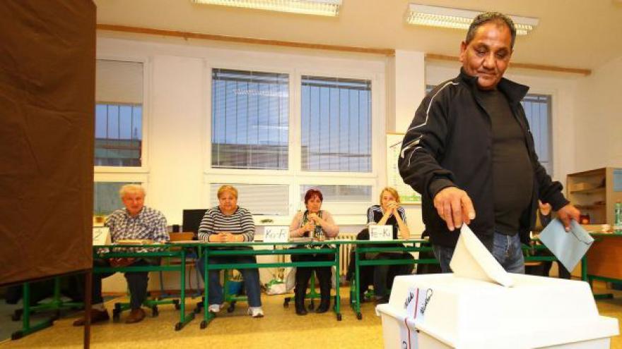 Video Volby pokračují druhým dnem